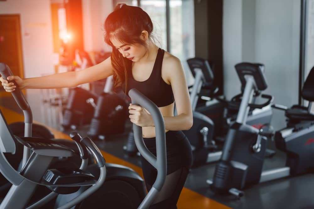 7 Low-Impact Elliptical Workouts for Beginners